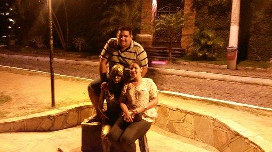 Hotel Don Quijote: Monumento brigitte bardot