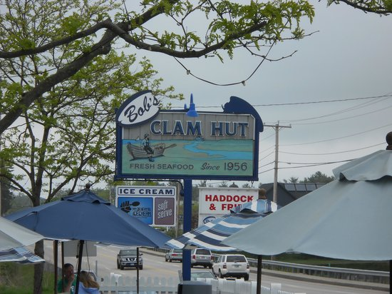 Bob's Clam Hut: Bob's sign on US 1