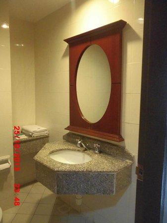 Blue Bay Resort: bathroom