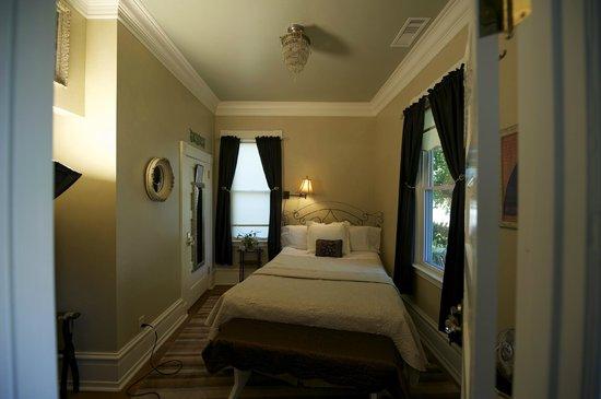 Abbey House Inn: The Ophelia Suite