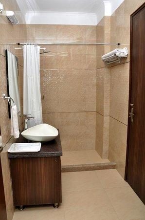 The Perch Service Apartments : Bathroom