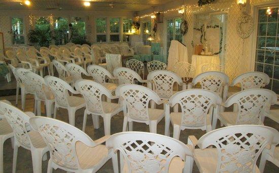 Seasons at Magnolia Manor: Garden Room Wedding