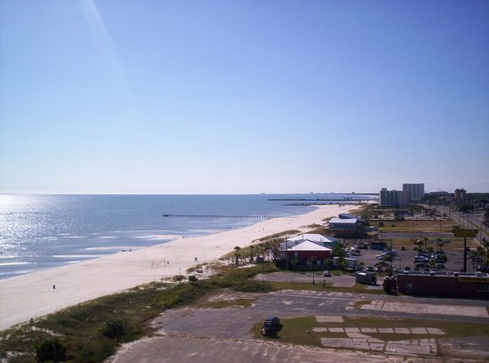 South Beach Biloxi Hotel & Suites: View of the beach from room