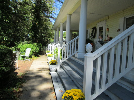 Seasons at Magnolia Manor: Welcome to our Manor