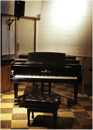 RCA Studio B: 1940's Steinway Piano Elvis insisted on using in his recordings at Studio B