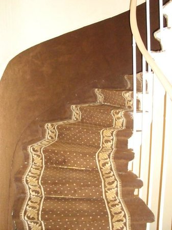 Hotel Prince Monceau: Stairs