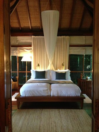 COMO Shambhala Estate: lovely bed