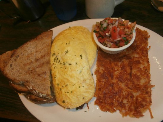 Fred's Coffee Shop : Avocado omelet with salsa and crispy hash browns