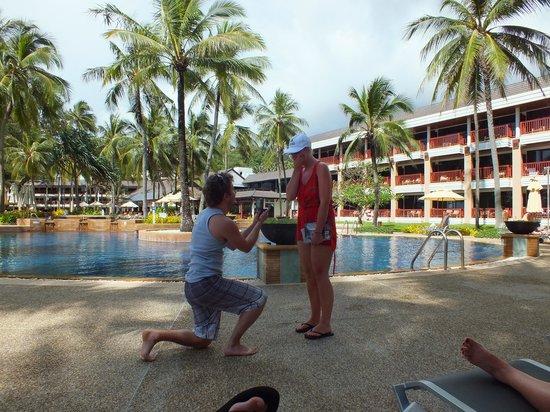 Katathani Phuket Beach Resort: My fiance' proposing to me infront of our favourite pool in Katathani!