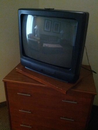 Alexis Park Resort: this is the tv in the livingroom area