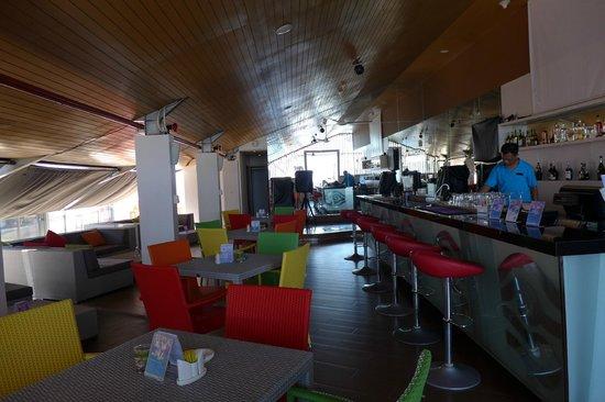 BEST WESTERN Kuta Beach: Roof top bar
