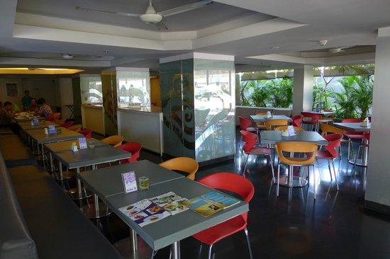Best Western Kuta Beach: Buffet restaurant