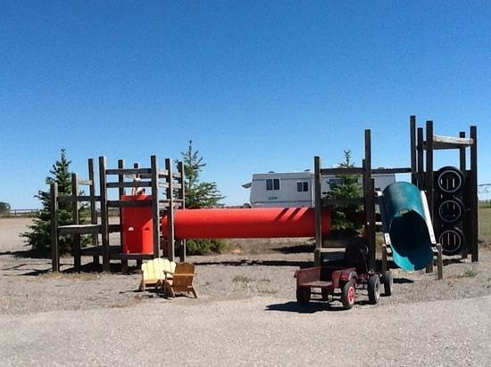 Elbas Farms Vacation Cottages and RV Park: playground