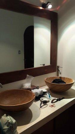 Navutu Dreams Resort & Wellness Retreat: Please ignore my mess... hee