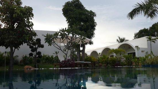 Navutu Dreams Resort & Wellness Retreat: View from the salt pool