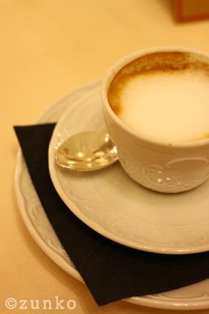 Bernini Palace Hotel: 朝食のカフェマッキャート