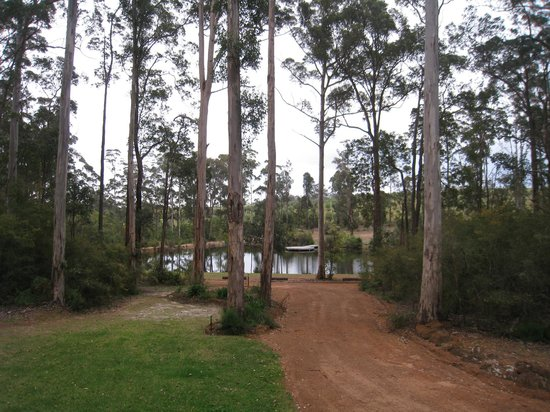 Kangaroo Creek Chalets: view from Jarrah chalet