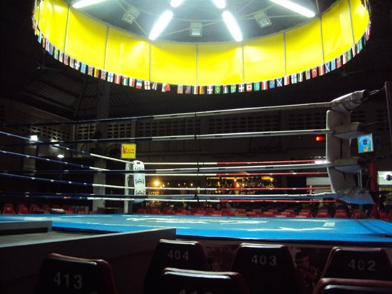 Patong Boxing Stadium : The boxing ring as seen from Ring Side seats