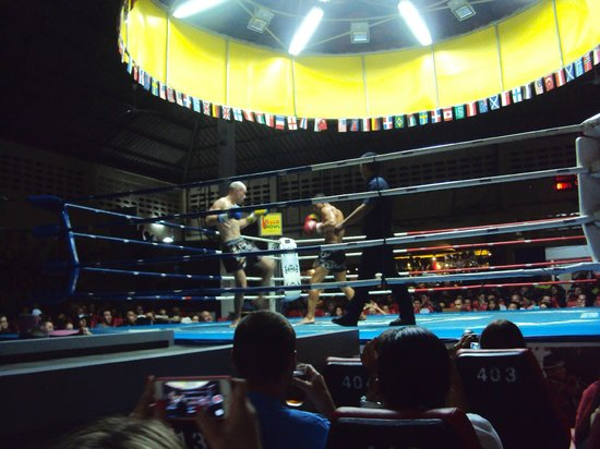 Patong Boxing Stadium : Thai boxing is not just Thai's but this match had a Russian against a Frenchman