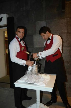 Sommelier Wine Bar/Gallery: 7