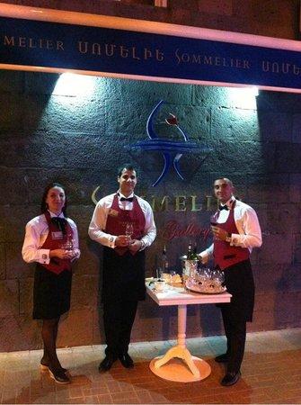 Sommelier Wine Bar/Gallery: 4