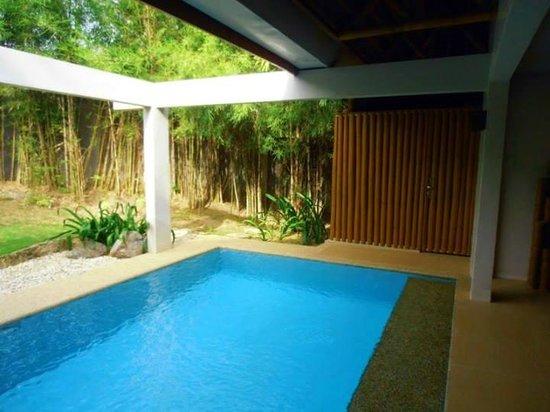 Eskaya Beach Resort & Spa: Indoor garden pool offers privacy