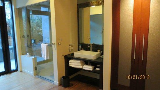 Bardessono : Bathroom and Steam Shower