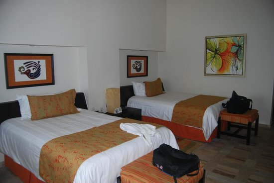 Presidente Inter-Continental Cozumel Resort & Spa: Rooms were very nice, clean, and comfortable