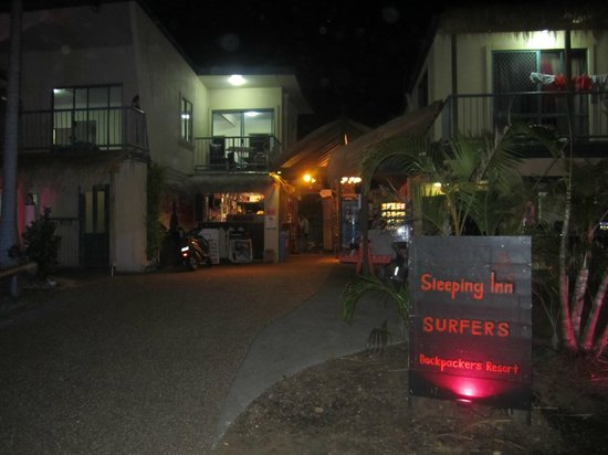 Sleeping Inn Backpackers : Entrance
