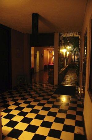 Luz En Yucatan : to the room