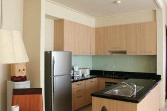 The Mayflower, Jakarta - Marriott Executive Apartments: Kitchen