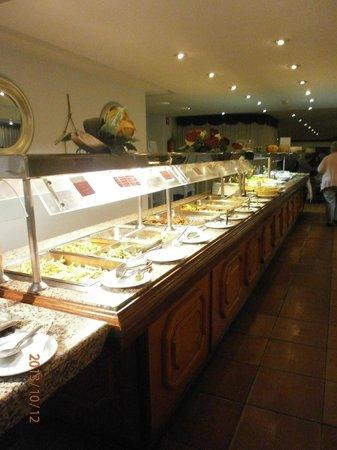 Roc Illetas: buffet varié