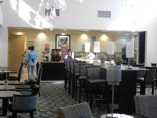Hampton Inn & Suites Las Vegas Airport: breakfast room