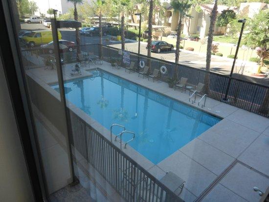 Hampton Inn & Suites Las Vegas Airport : pool