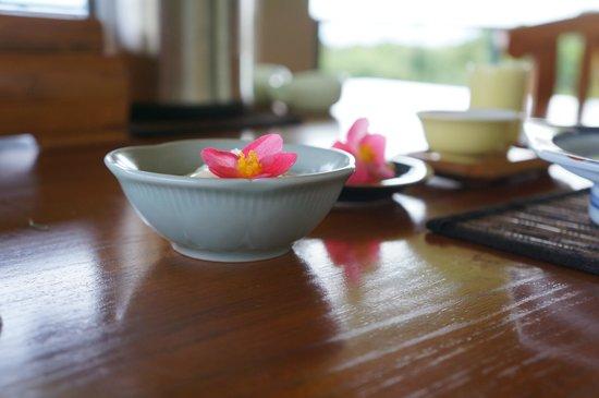 Onomea Tea Company: delicious flower