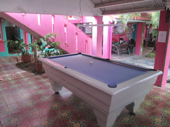 Dolphins Beach House: Common areas - Snooker