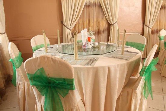 Olive Gardens Hotel: Restaurant