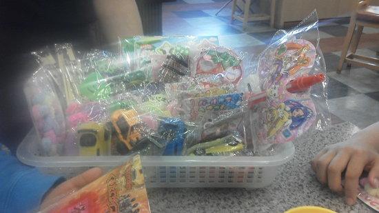 Kaiten Zushi Toppi Otaru Canal : 小学生以下にはプレゼント