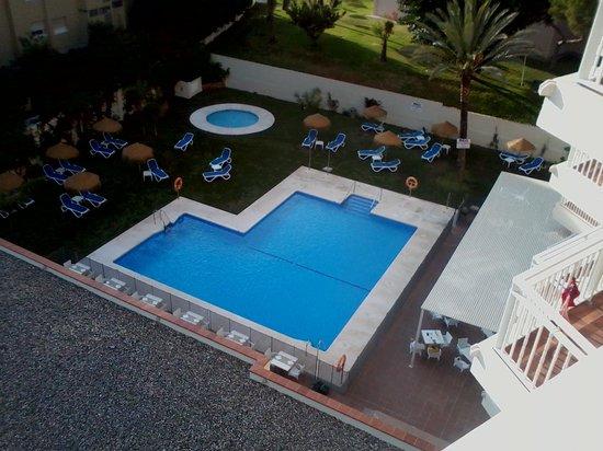 Hotel Mainare Playa Fuengirola: view of pool from room 503