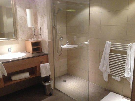 Milderer Hof: bathroom