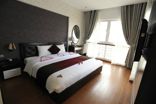 Hanoi Victory Hotel : Deluxe city view room
