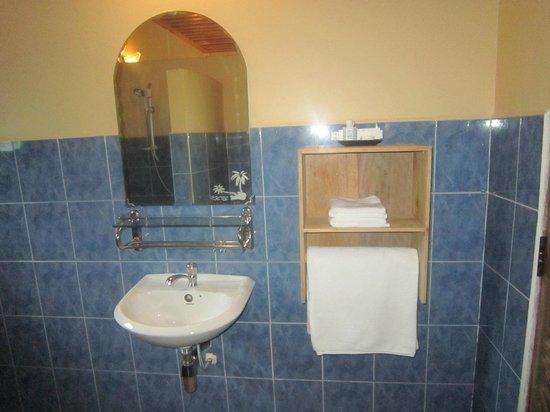 Kimly Lodge : Pristine Bathroom