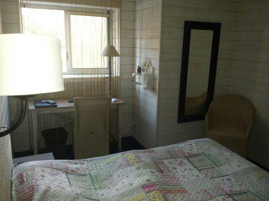 Hôtel de la Plage : Chambre petite mais confortable