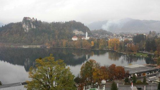 Golf Hotel Bled: castello e chiesa visti dalla camera