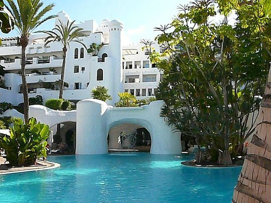 Hotel Jardin Tropical: территория
