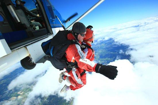 Skydive Abel Tasman: Jumping...