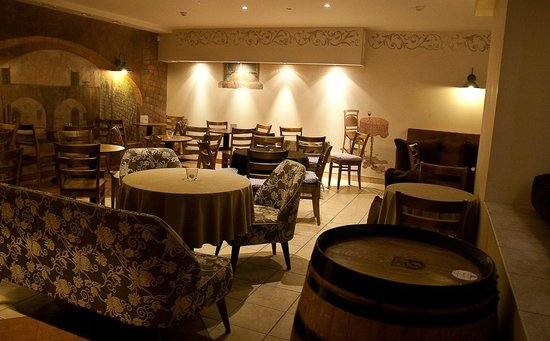Buon Giorno Trattoria: Ground floor dining area