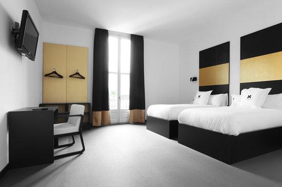 Hostal Amra : TRIPLE ROOMS WITH BALCONY