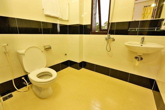 VIP Garden Homestay: Bathroom