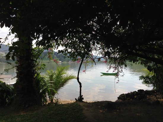 Hotel Paradis Malahide: Lake Kivu view from right outside our room (#2)